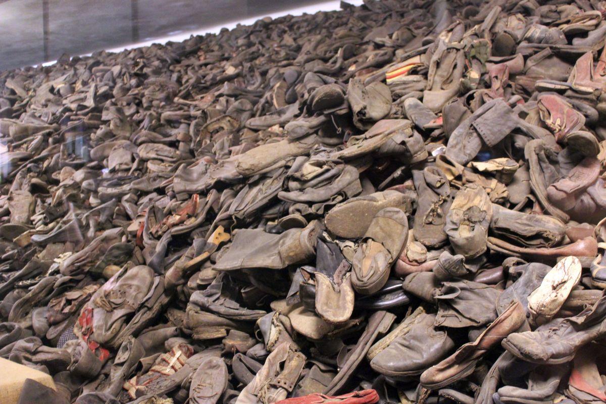 Auschwitz 14 2 315